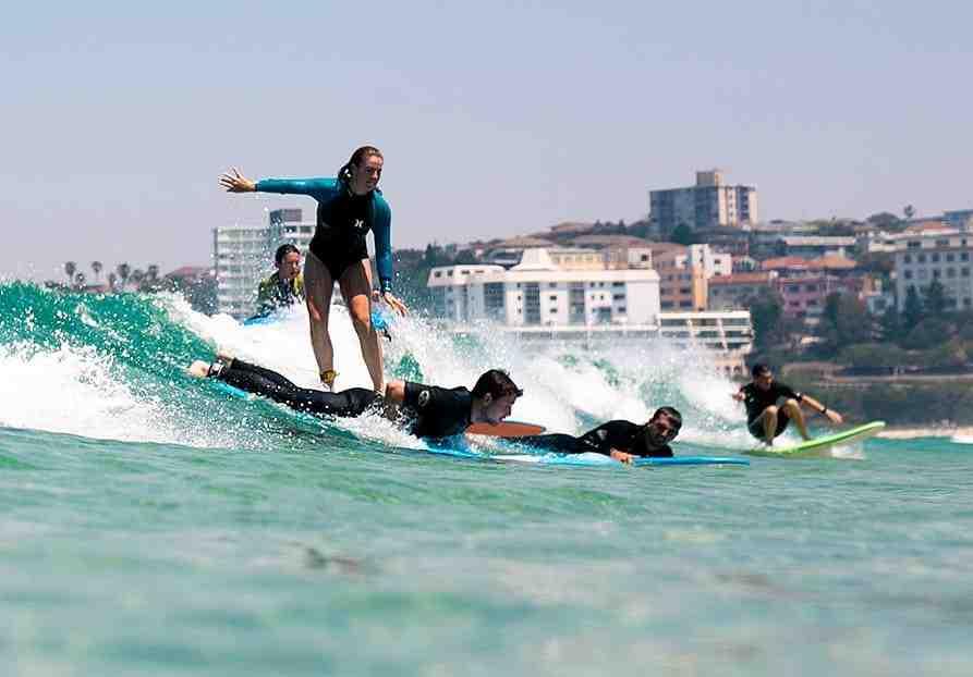 Quelle taille de planche de surf est la meilleure pour les débutants ?