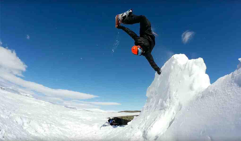 De quels vêtements d'extérieur les débutants ont-ils besoin pour le snowboard ?