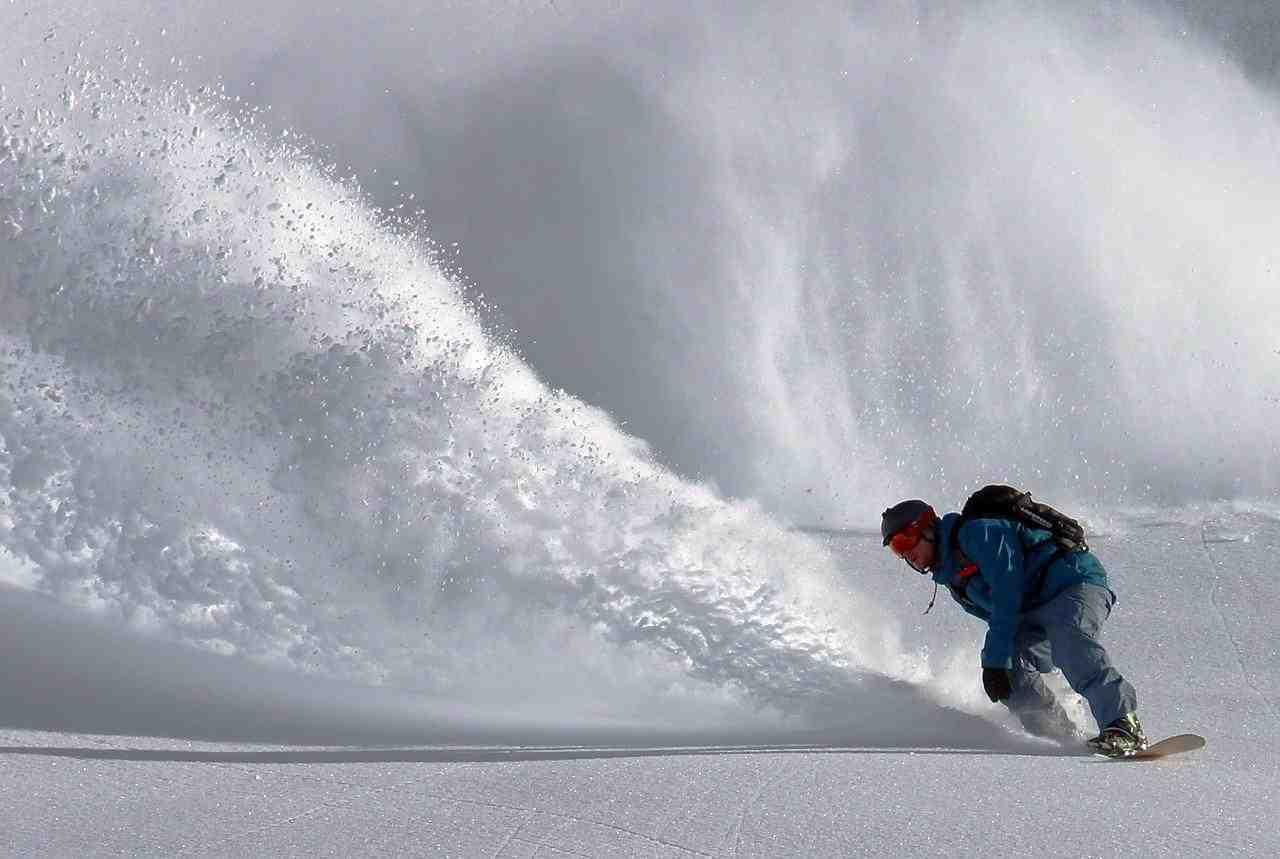 Techniques intermédiaires de snowboard :