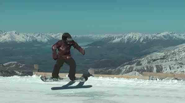L'autre technique de saut en snowboard s'appelle le Nollie :